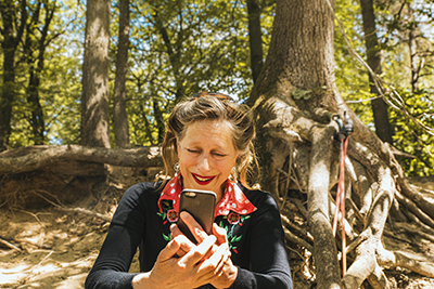 Linda Willems portret in het bos